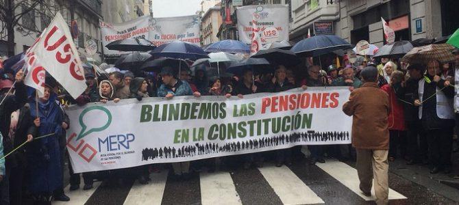 Decenas de miles de manifestantes claman por blindar las pensiones en la Constitución