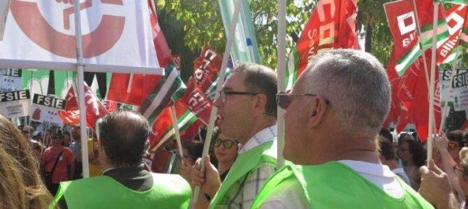 Éxito de la concentración de USO y el resto de sindicatos de la Concertada contra el ninguneo de la Junta
